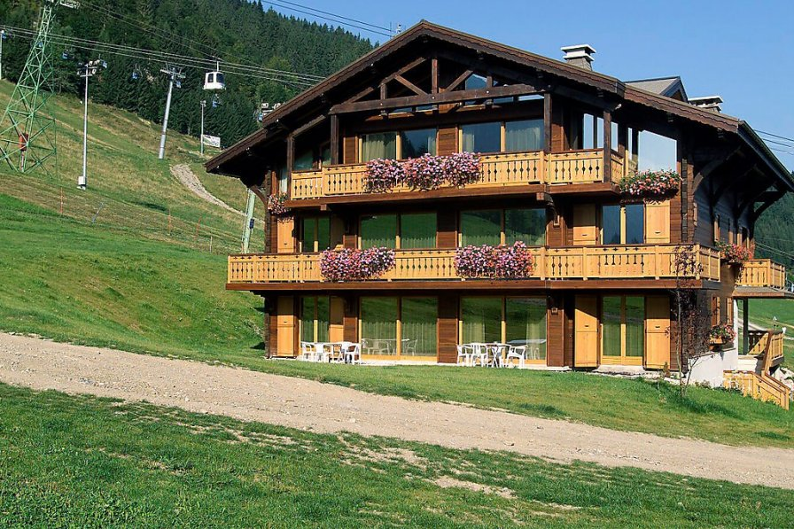 Owners abroad Chalet Matine