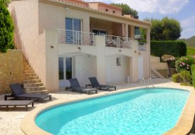 House in Saint-Cyr-sur-Mer, the South of France