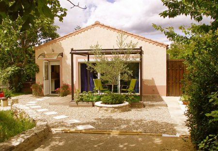 Apartment in Caumont-sur-Durance, the South of France