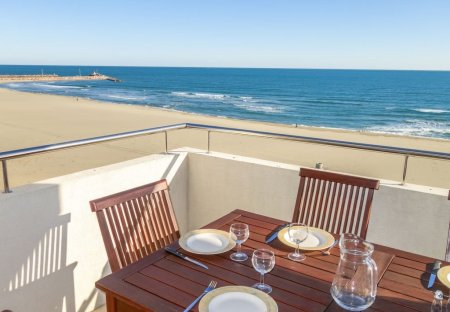 Apartment in Plage Centre, the South of France