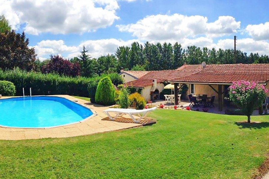 House in France, Condéon
