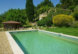 Villa in Vaugines, the South of France