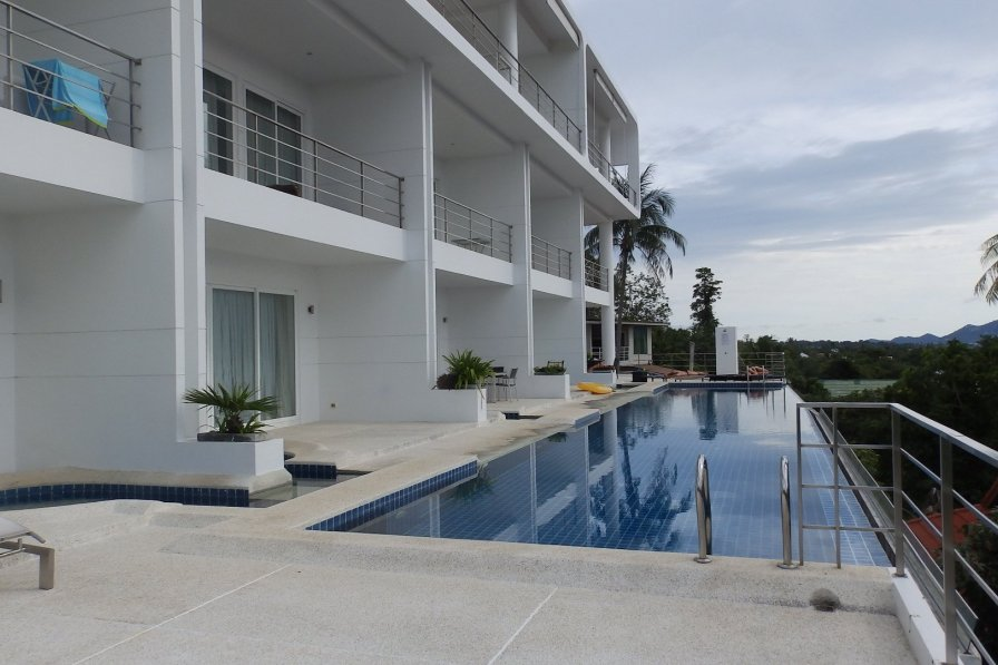 3 Bedroom modern stunning Sea View Apartment (JH)