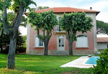 House in Vauvert, the South of France