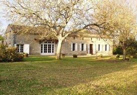 Villa in Bonneville-et-Saint-Avit-de-Fumadières, France