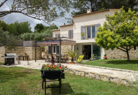 Apartment in Le Castellet, the South of France