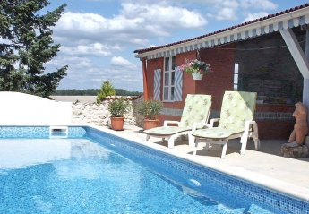 2 bedroom Villa for rent in Brossac