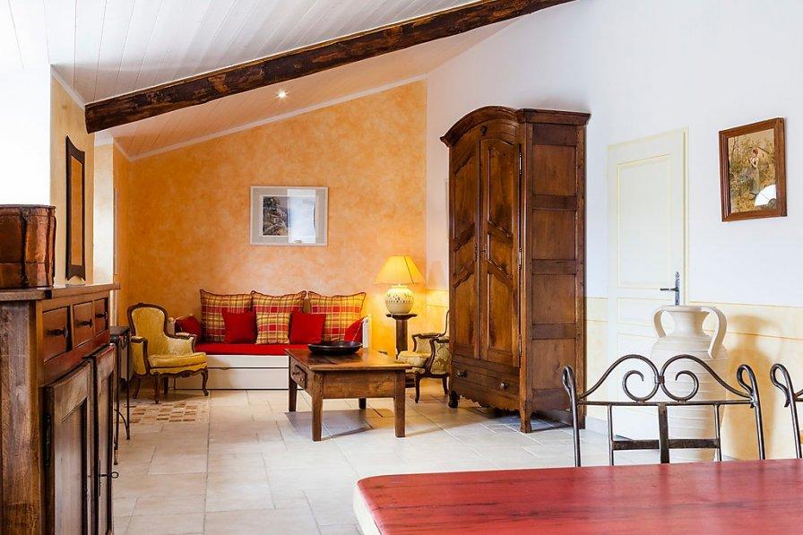 Owners abroad Aubignane La Ferme d'Estafinette