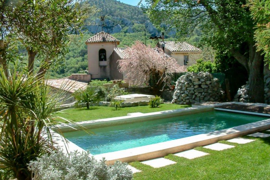 House in France, Mimet