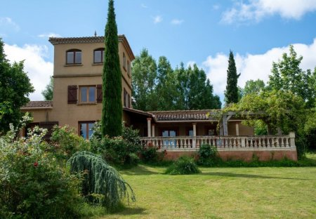 Villa in Petite Ville, the South of France