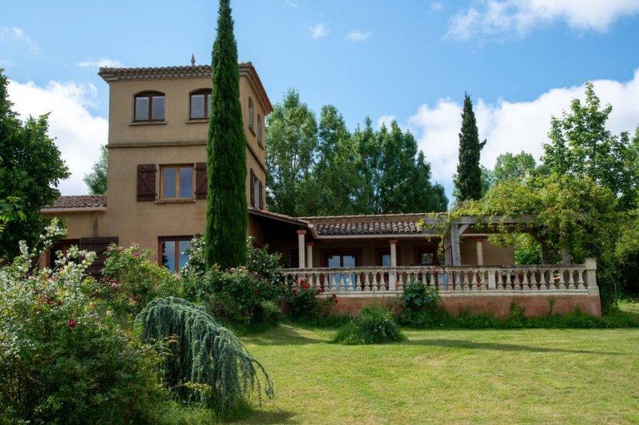 Villa in France, Petite Ville
