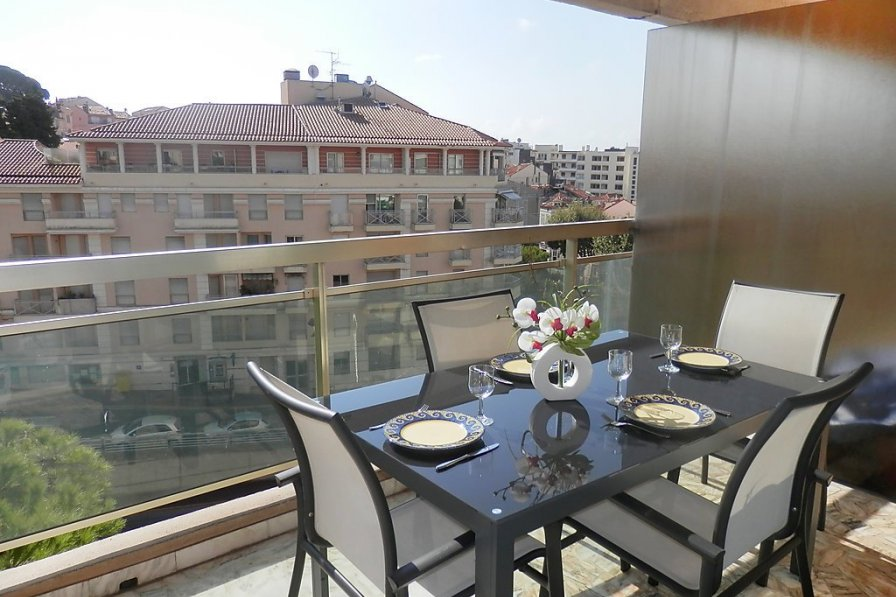 Apartment in France, Le Riou
