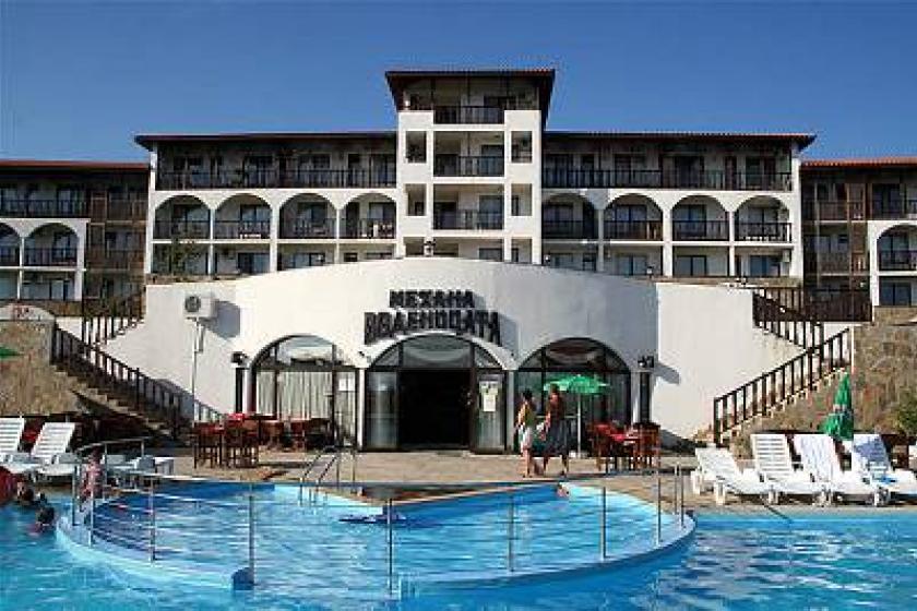 Apartment To Rent In Sveti Vlas Bulgaria With Pool 25248