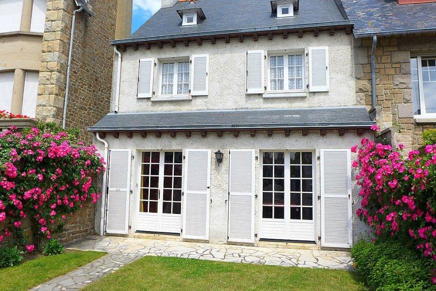 House in France, Le Sillon-Courtoisville