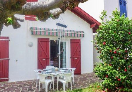 Villa in Labordotte-La Colline, France