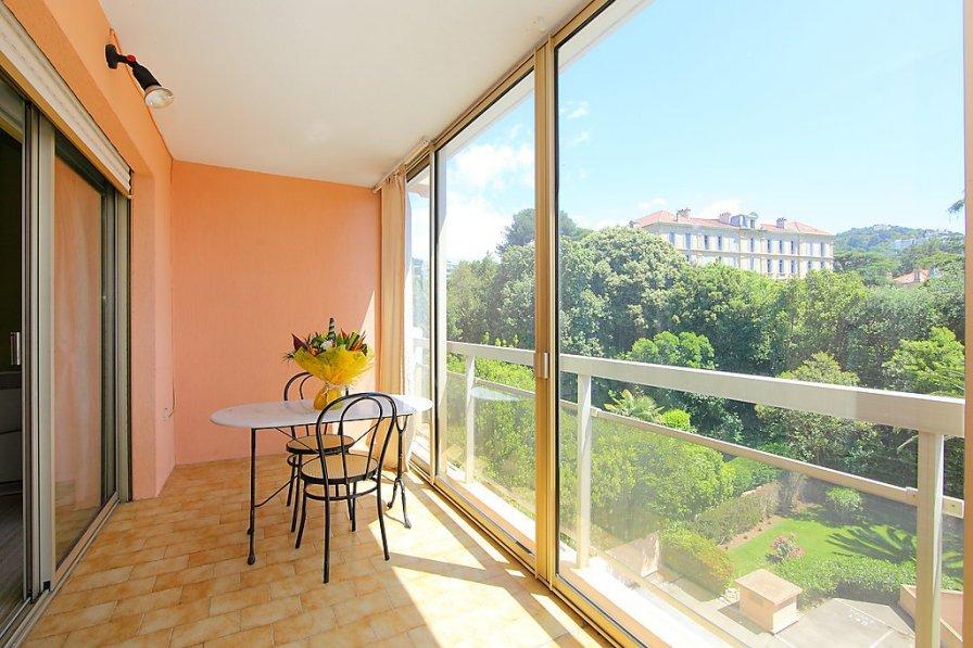 Apartment in France, La Californie