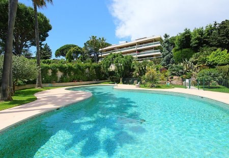 Apartment in Croix des Gardes, the South of France