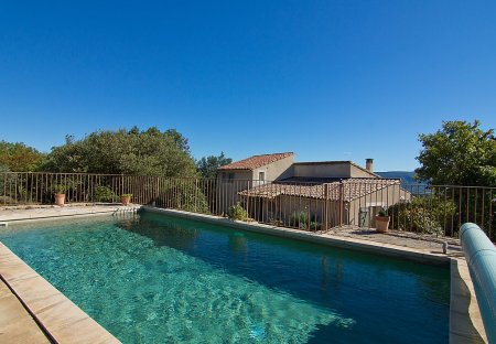 Villa in Viens, the South of France
