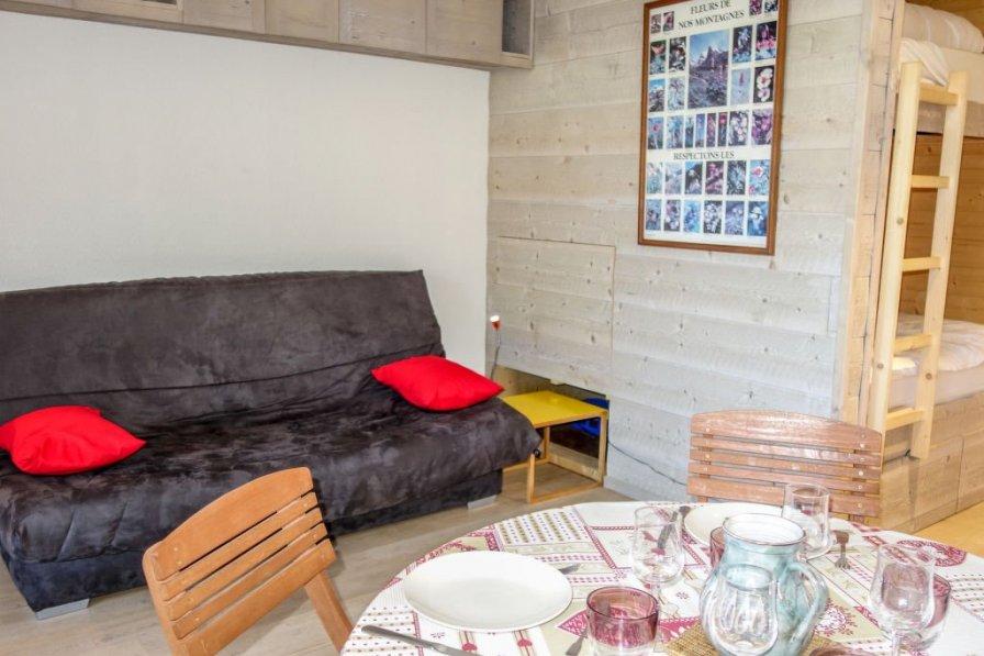 Apartment in France, Est