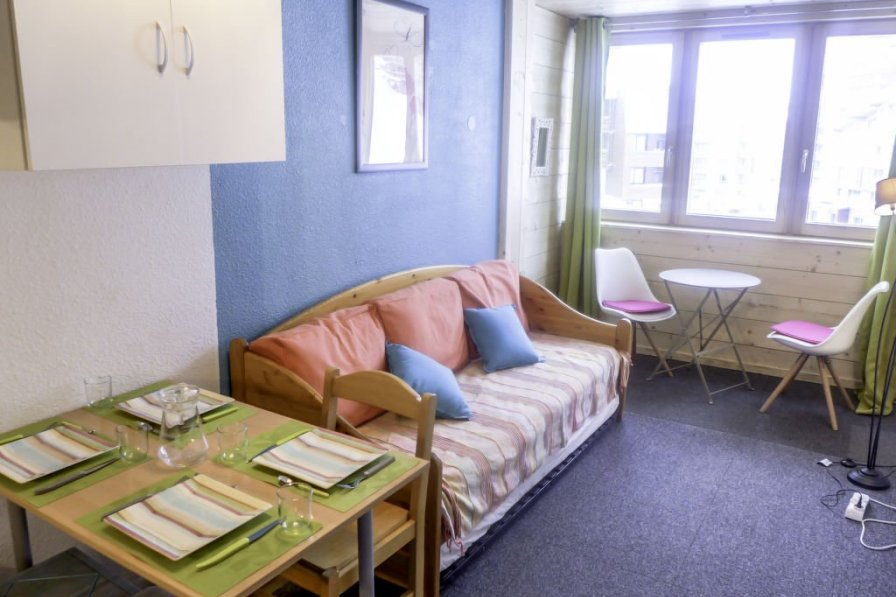 Studio apartment in France, Les Belleville