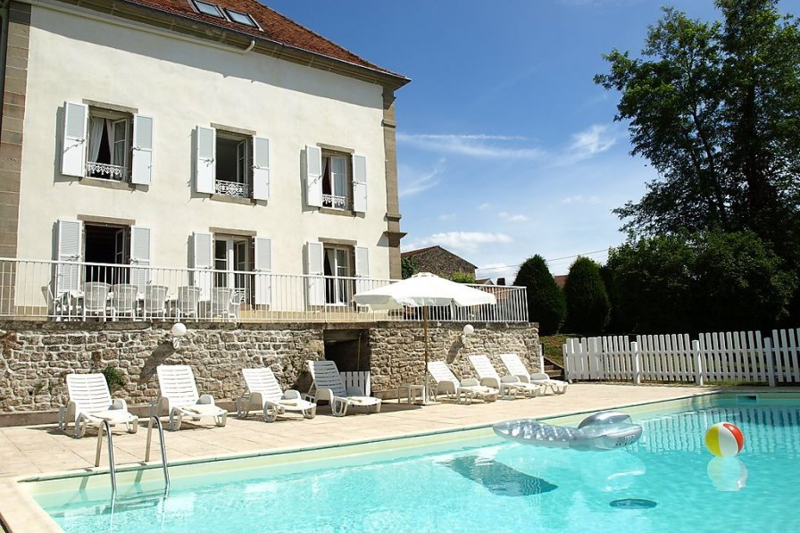 House in France, Saint-Julien