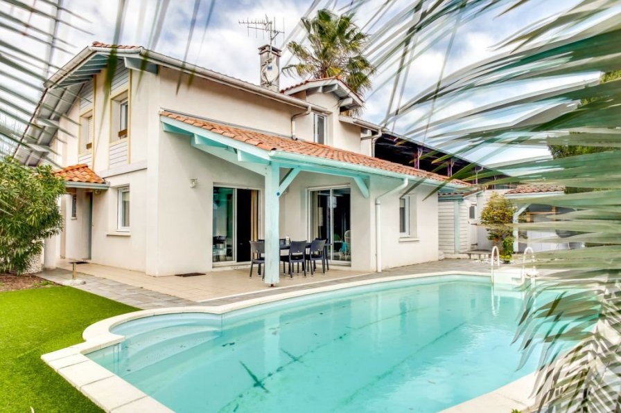 House in France, Cinq Cantons-Golf