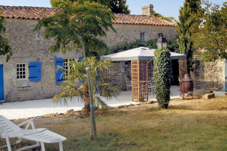 House in France, Sainte-Gemme