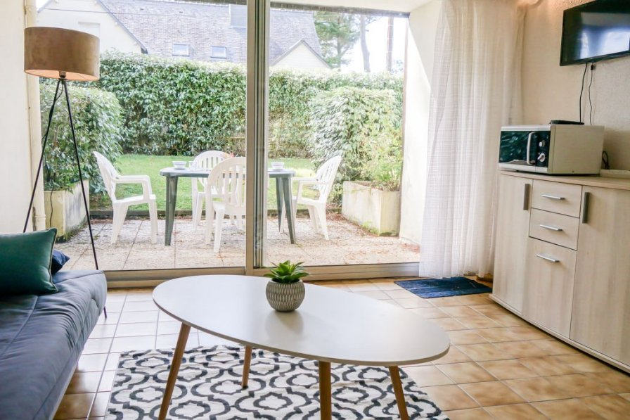 Studio apartment in France, Hors Agglomeration