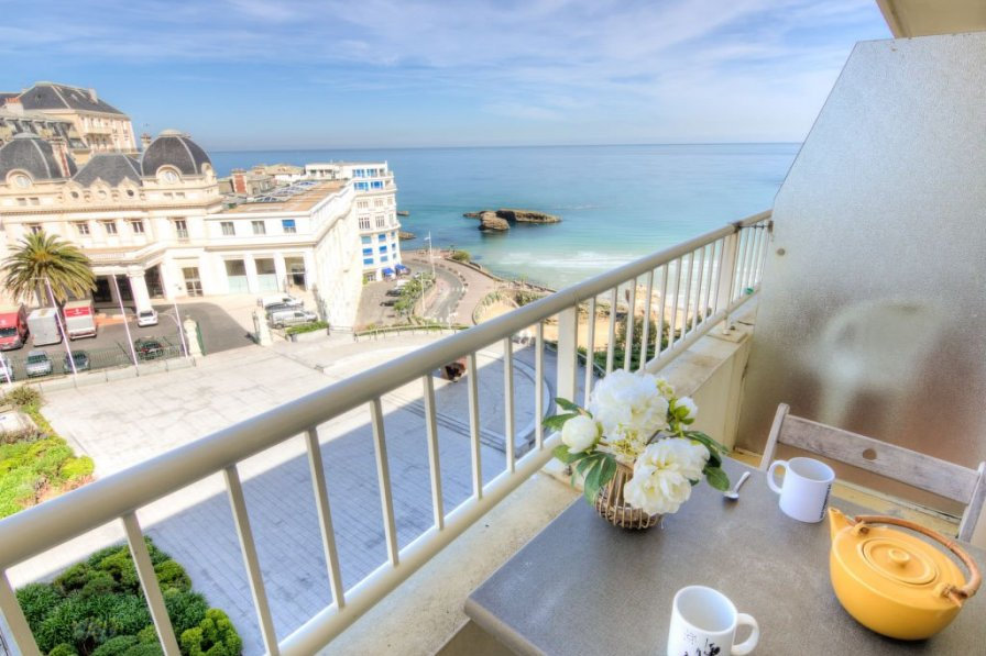 Apartment in France, Front de Mer