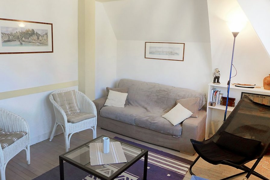 Apartment in France, Intra-Muros
