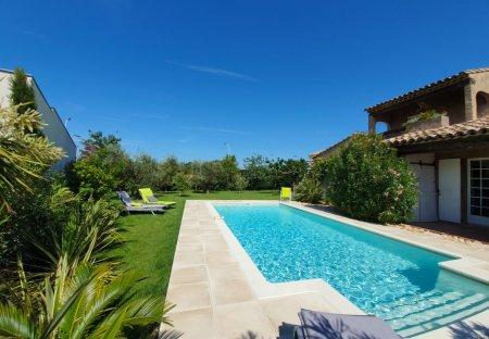 Villa in Morières-lès-Avignon, the South of France