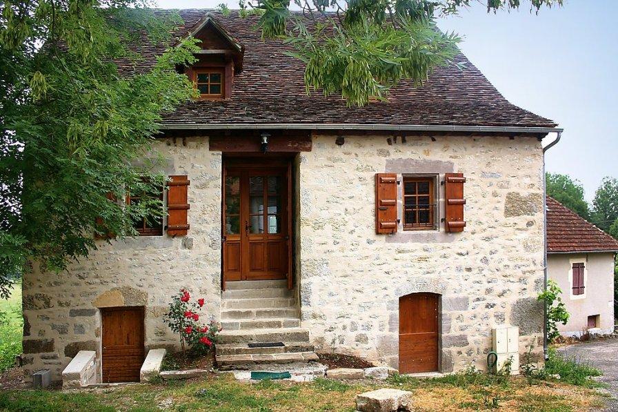 House in France, La Chapelle-aux-Saints