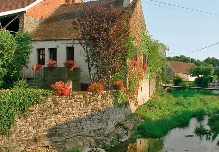 Cottage in Pouillenay, France