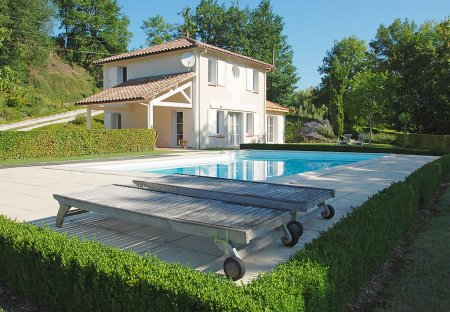 Villa in Saint-Pantaléon, the South of France