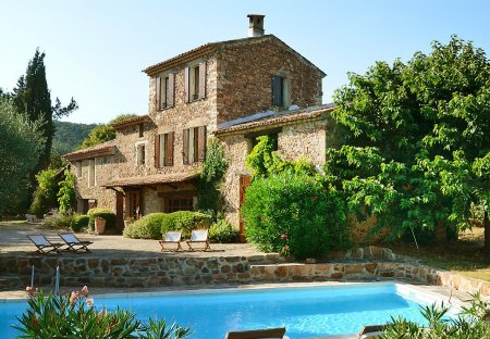 House in Bagnols-en-Forêt, the South of France