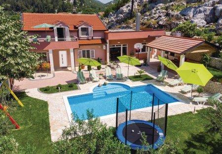 Villa in Baćina, Croatia