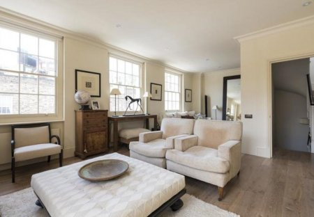 Villa in Knightsbridge and Belgravia, London