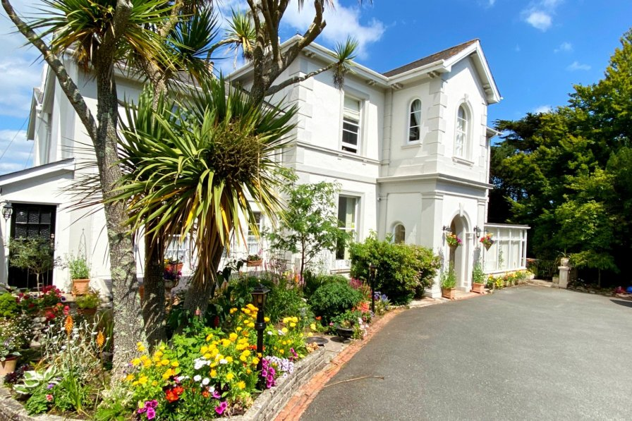 House in United Kingdom, Wellswood