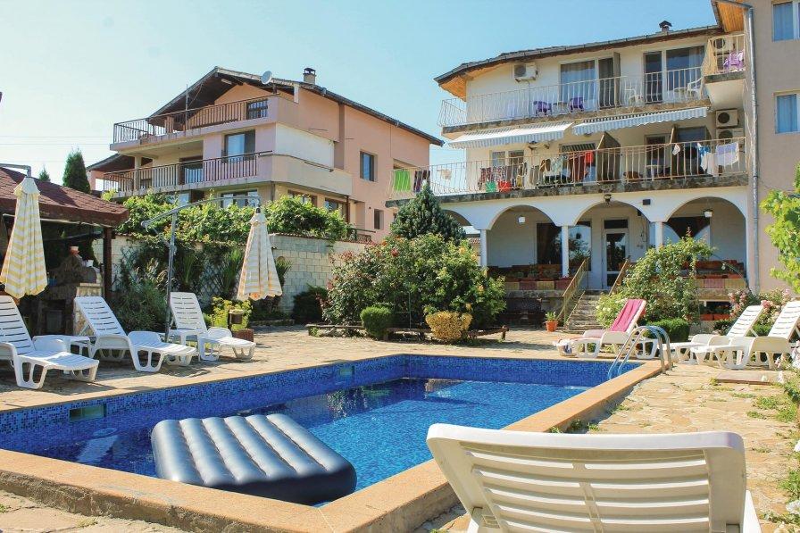 Villa with swimming pool in Bliznatsi