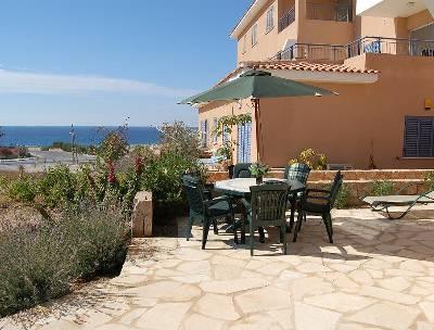 Apartment in Cyprus, Kato Paphos: Patio with sea views