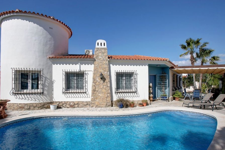Villa in Spain, Deveses