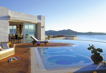 4 bedroom Villa for rent in Elounda