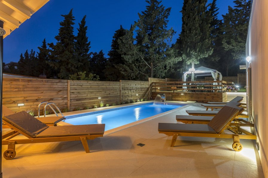 Villa Heart of Split with Pool