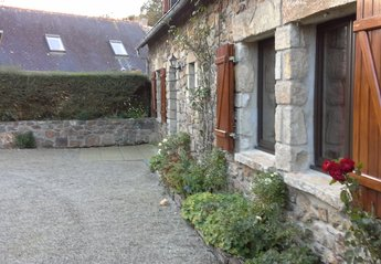 Country House in France, Crozon-Morgat: the house