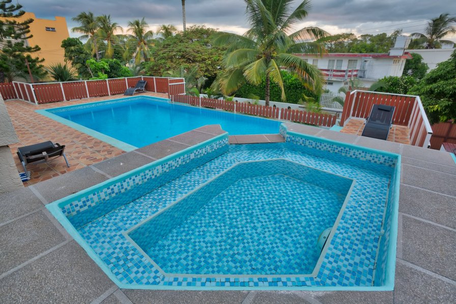 HIBISCUS VILLA **** 5 CHAMBRES 5 mn from the beach