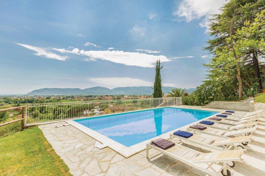 Villa in Italy, Colombiera-Molicciara