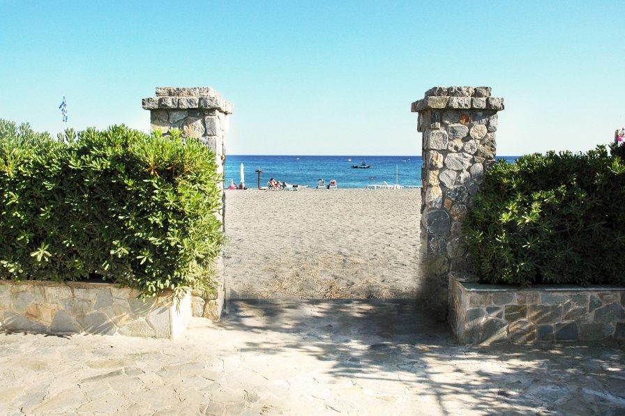 Pefki Beach Front Villa