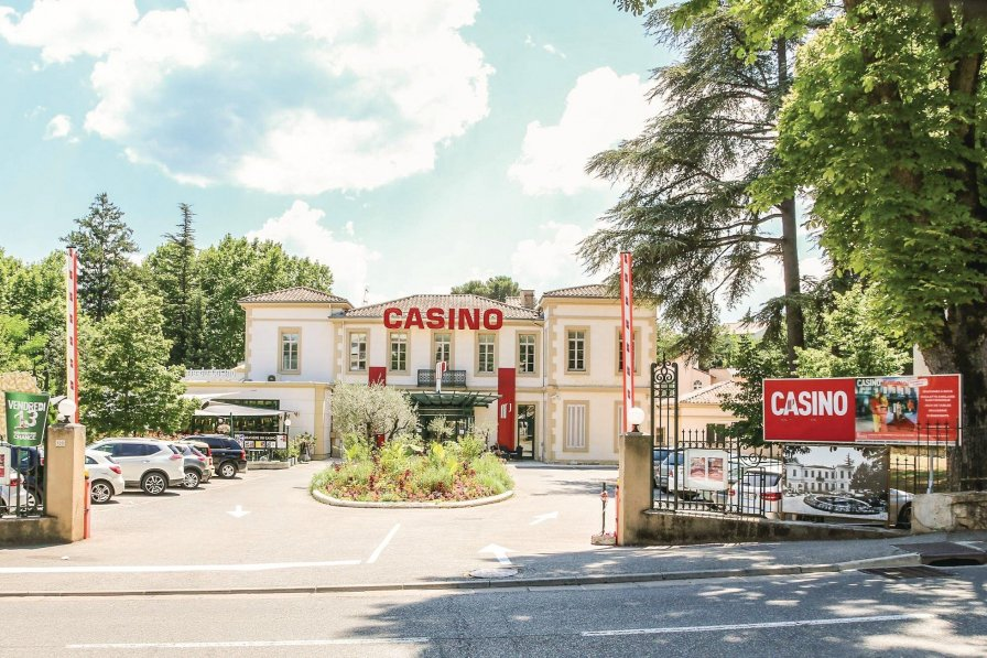 Villa to rent in Gréoux-les-Bains