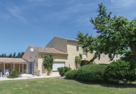 Villa in Le Thor, the South of France