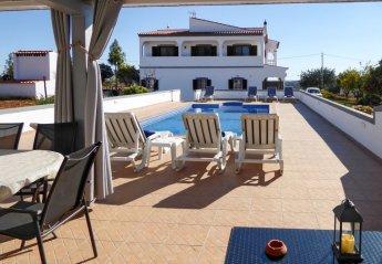 4 bedroom Villa for rent in Faro